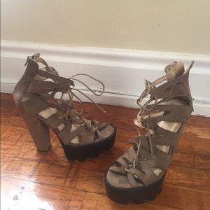 Women's chunky platform heeled tie up shoes